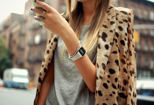 Grey t and leopard print