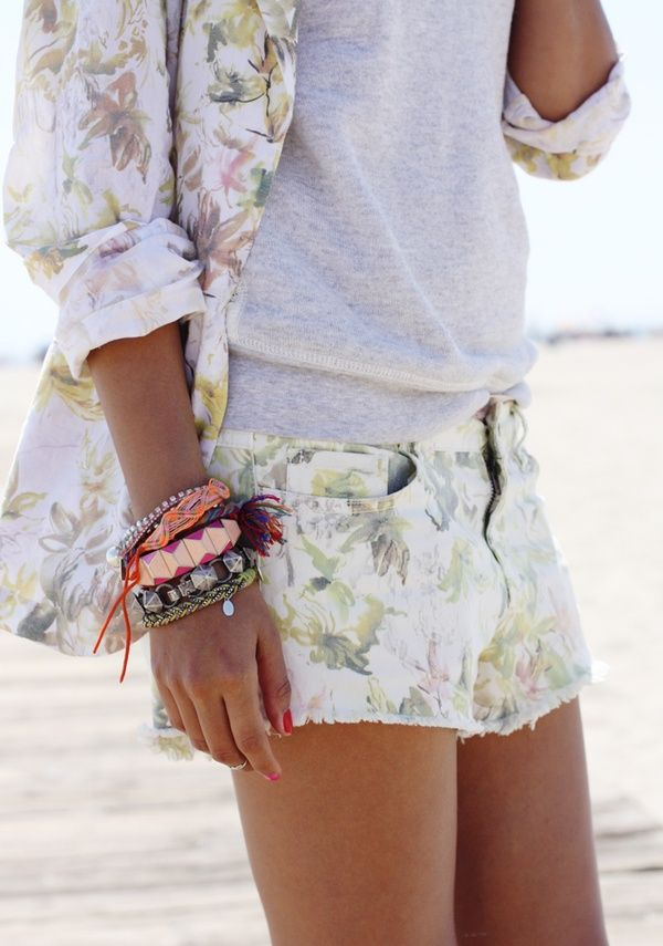 grey t and floral